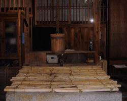 かつらぎの伏流水を汲む蔵の井戸